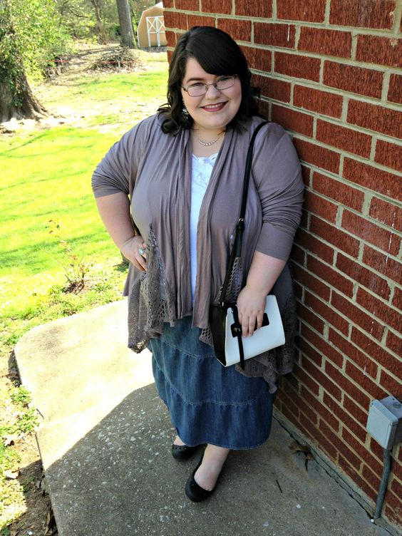 Unique Geek: Plus Size OOTD: Over The Taupe #plussize #plussizefashion #plussizeootd #plussizeoutfit #plussizestyle #plussizeblogger #plussizespringoutfit #taupe: