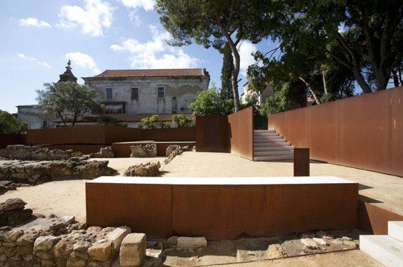 João Luís Carrilho da Graça, global arquitectura paisagista, Duarte Belo, Fernando Guerra / FG+SG · Musealization of the São Jorge Castle's Praça Nova Archaeological Site, Lisbon · Divisare