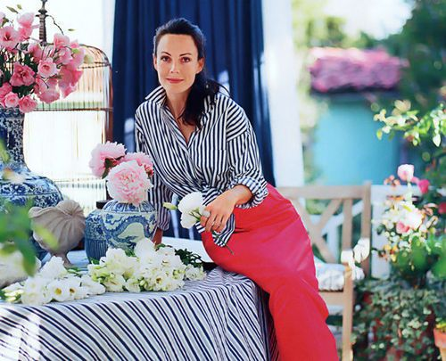 "Mary Mcdonald      Los Angeles-based designer Mary McDonald is one of today's most sought     after designers and is consistently ranked one of House Beautiful ""Top     100 Designers"".  Mary McDonald's gorgeous interiors have captivated the design community and  are featured in major national publications including Town & Country,  Veranda, House Beautiful,Domino, House & Garden and International Vogue.:"