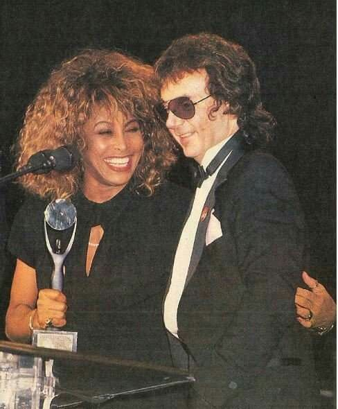 Tina Turner Phil Spector At The Rock N Roll Hall Of Fame 1989