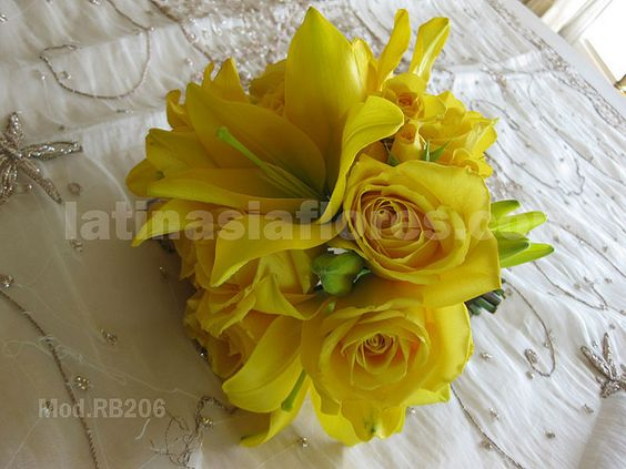 #yellow roses and lilies #wedding #bouquet change lilies to orange/coral