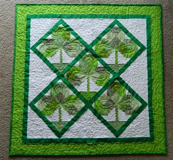 St. Patrick's Day: Shamrock, Quilts Inspiration, Quilt Finished, Large Image, Neat Crafts, Scrappy Quilts, Holiday Quilts