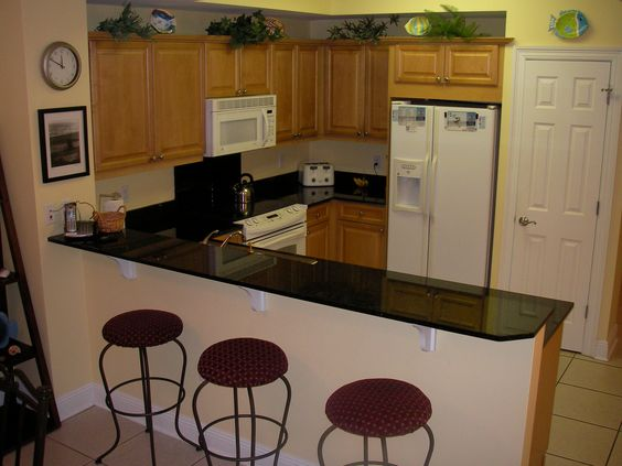 kitchen breakfast bar designs ideas | Fully equipped kitchen with ...