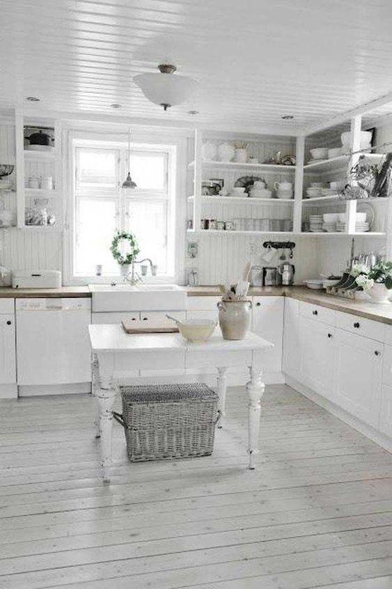 シャビーシック インテリア コーディネート例 ホワイト キッチン
