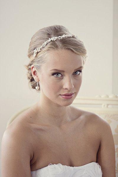 Braut+Haarschmuck,+Tiara,+Perlen+Diadem+von+WeddingBliss+by+Maija+auf+DaWanda.com