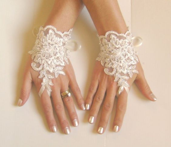 Ivory Wedding Lace Bridal Gloves: