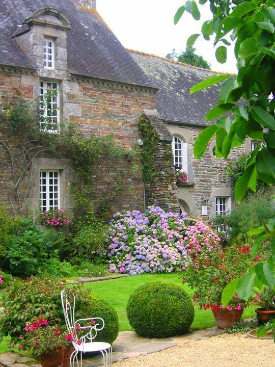 English cottage garden: