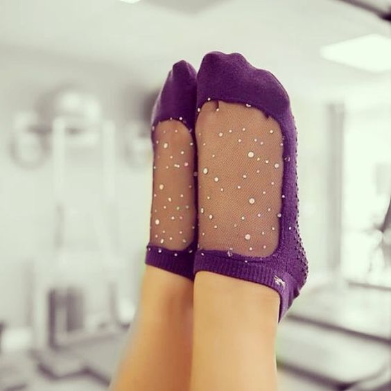 Sparkle while you workout! ✨ #Shashi #shashionline #shashistar #shashisocks #purple #meshsocks #gripsocks #pilatessocks #barresocks #yogasocks #sparklesocks
