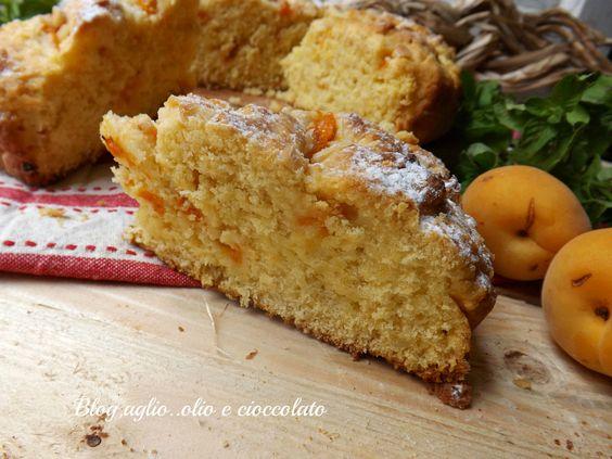 La Crostata rustica di Albicocche è di una bontà unica!! In realtà,si tratta di un mix tra pasta frolla e torta morbida,è un impasto che non si secca mai