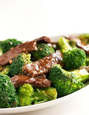 Chinese broccoli beef, thinly sliced beef slices, marinated then stir-fried with garlic and blanched broccoli.