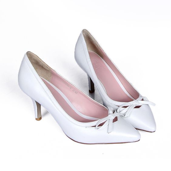 Cheap shoes heel spurs, Buy Quality shoes handmade directly from China shoe covers for heels Suppliers:	  	Details: 	A sweet bow lends feminine charm to this elegant point-toe pump in genuine leather.			Self-covered he