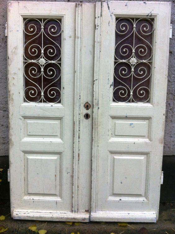 Doppelflügelige Haustür aus Gründerzeit, Eiche, verziert