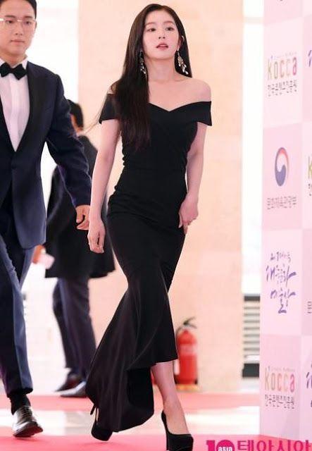 Netizens Name Red Velvet Irene As Black Dress Goddess Red Velvet Dress Red Velvet Irene Red Dress