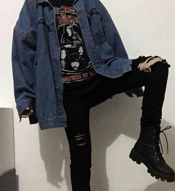 ☞❤Awesome grunge outfits ideas - With the world's love for '90s fashion at an all-time high since the decade itself, it's no surprise that grunge has made a comeback. #GrungeOutfits #OldStyleOutfits