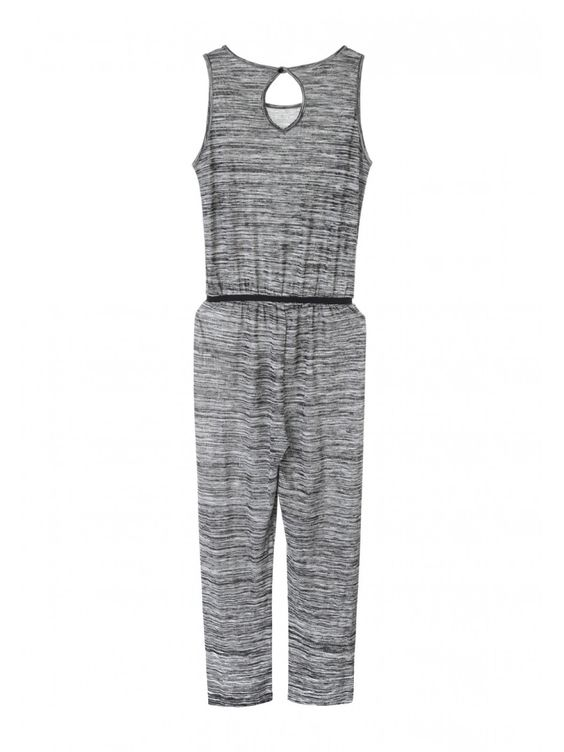 Stylish older girls will love this grey jersey jumpsuit. Featuring a scoop neck, a keyhole at the back and an elasticated waist, this jumpsuit is a cute and ...