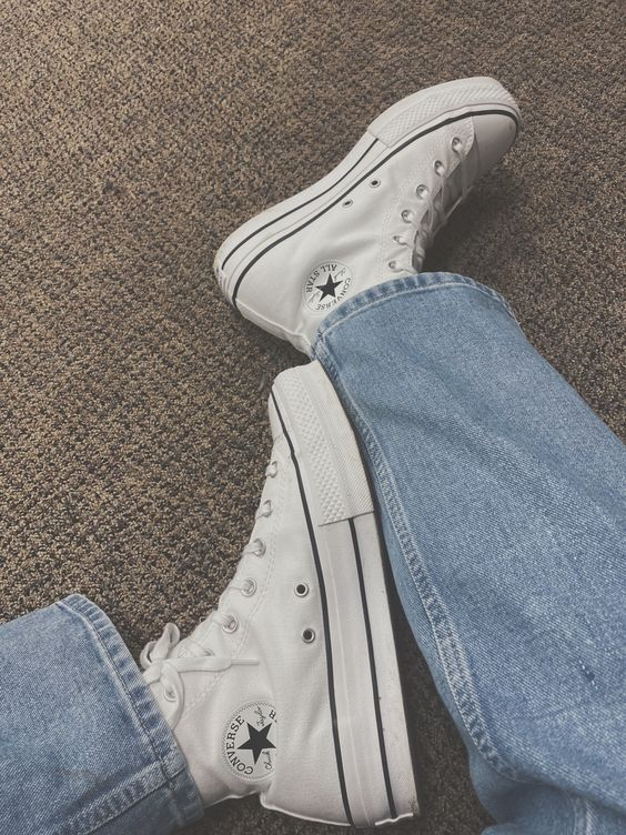 must have παπούτσια