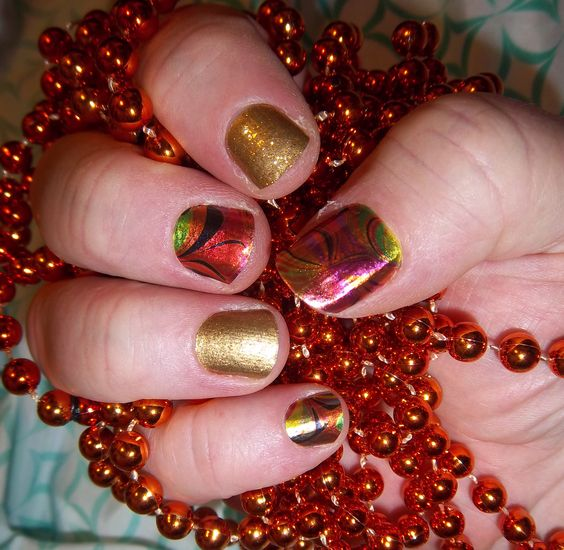 Hot Mess and Gold Sparkle lorirarmstrong.jamberrynails.net