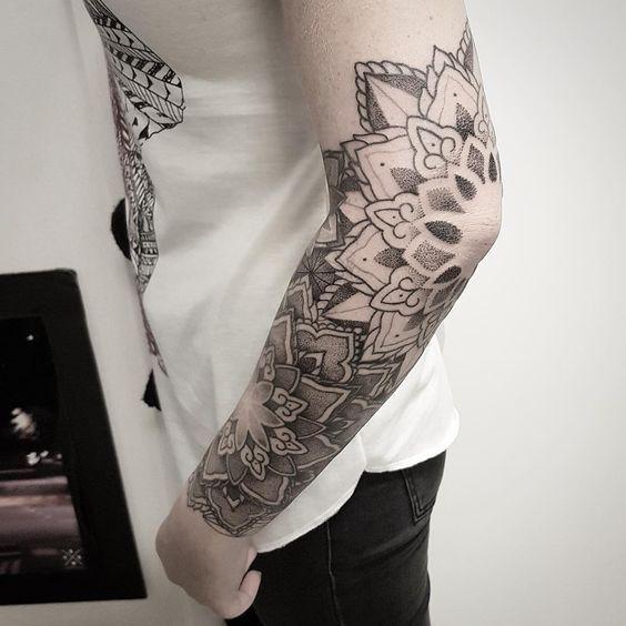 107 Tatuajes Mandalas Para Hombres Partes Del Cuerpo Tatuajes Mandalas Tatuaje Mandala En El Brazo Tatuajes Chiquitos