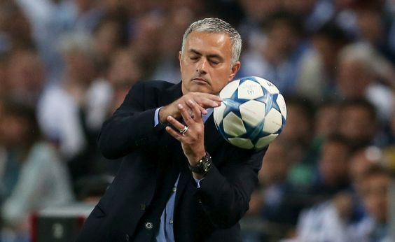 Chelsea demasiado mole para o FC Porto - PÚBLICO  Mourinho voltou a não ser feliz no Dragão como visitanteREUTERS/MATTHEW CHILDS