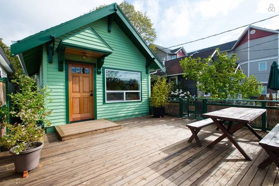 Private off street south facing pouch, Seattle airbnb - Get $25 credit with Airbnb if you sign up with this link http://www.airbnb.com/c/groberts22