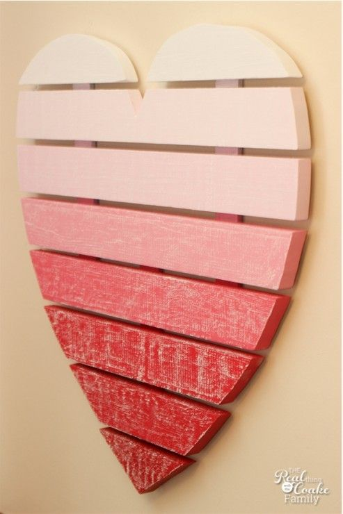DIY Valentine craft to make a heart shaped chalkboard using chalkboard paint. #ChalkboardPaint #ValentinesDay