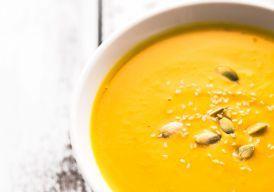 A sopa detox ajuda você a se livrar das toxinas. E se for acompanhada de um cardápio balanceado, melhor ainda: os quilinhos extras vão embora fácil, fácil!