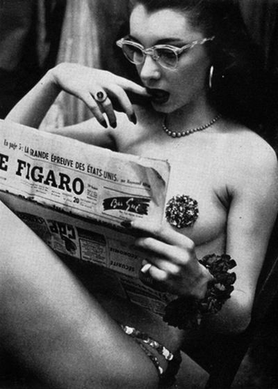 Back stage at the burlesque club, circa 1950