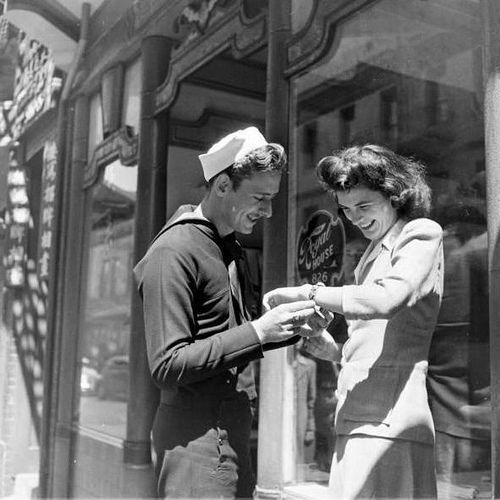 A present for his girlfriend, California, 1943. #vintage #1940s #WW2 #couple: