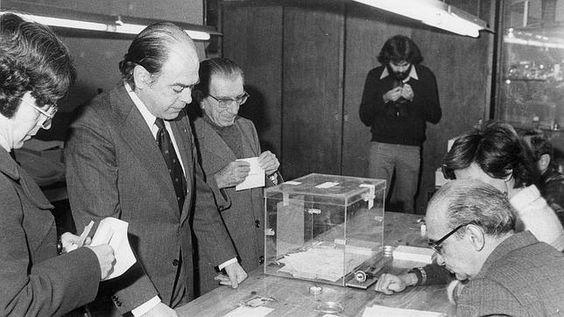 Los ciudadanos expresaron su voluntad a favor de la monarquía, cuando se votó la constitución.