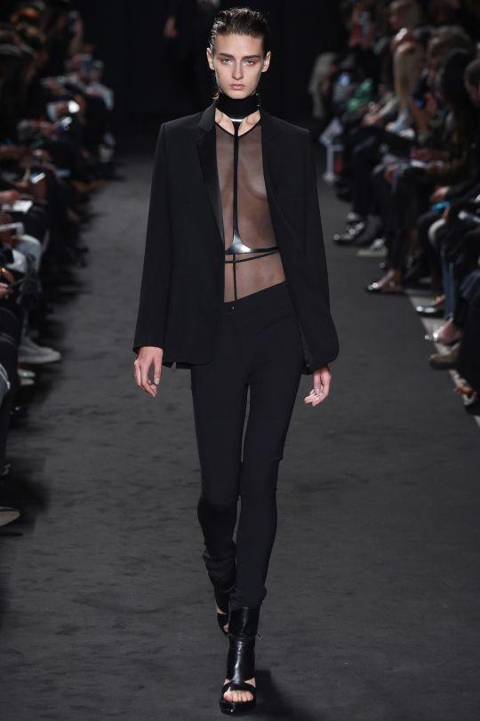 Ann Demeulemeester ready-to-wear spring/summer '16 - Vogue Australia