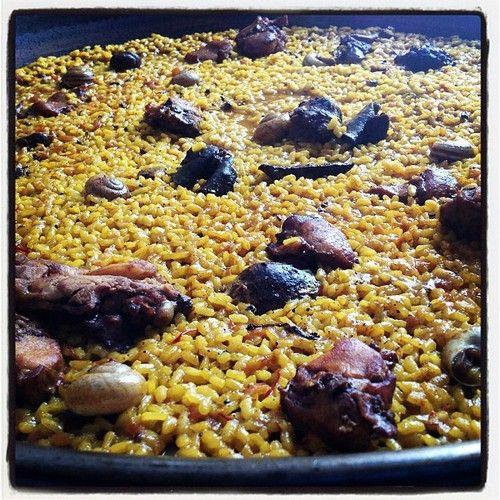 El famoso arroz con conejo y #caracoles @cuinapinos #cuinapinos @alfonso_rest @javi_asdj @jesusmar8 @ifarballester @belenmanez @cristinarv_ @costablancaorg @elenaymrtz @Pinterest #Pinterest #turismointerior #gastronomia #Pinoso #Alicante #España #GoodFood almuerzo #photo #Instagram