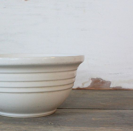 Vintage Ceramic Mixing Bowl I love these vintage ceramic mixing bowls, I have piles of them, they make me happy when I see them.