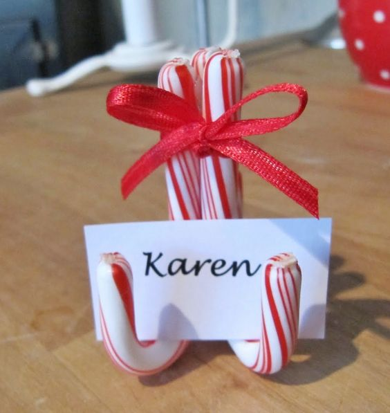 Candy cane place card holders - Really, this is so simple why didn't I think of this?