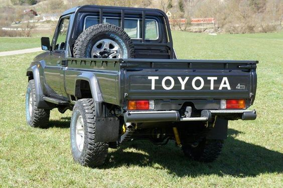 toyota land cruiser land cruiser and toyota on pinterest. Black Bedroom Furniture Sets. Home Design Ideas