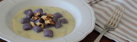 Primo piatto: gnocchi di patate viola al gorgonzola e noci | bigodino.it