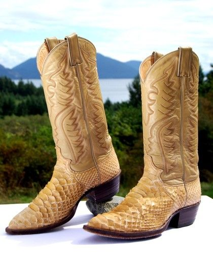 FOR SALE Vintage JUSTIN BEIGE PYTHON Leather Cowboy Boots Mens 6.5