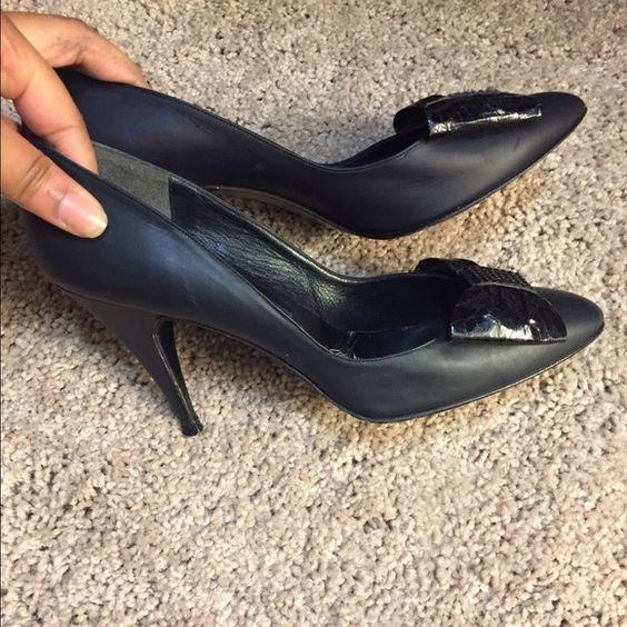 Spring clear outStuart Weitzman heels Vintage and worn Stuart Weitzman Shoes Heels