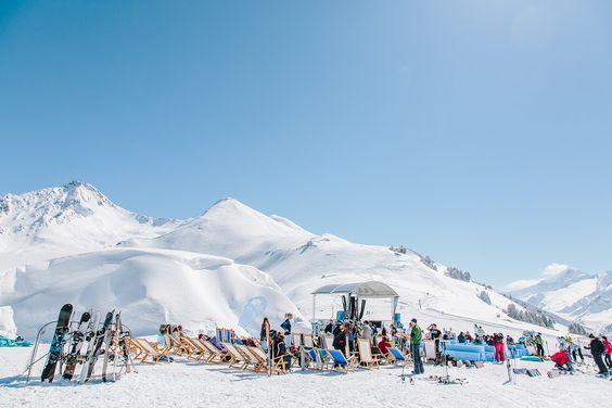 Snowbombing |