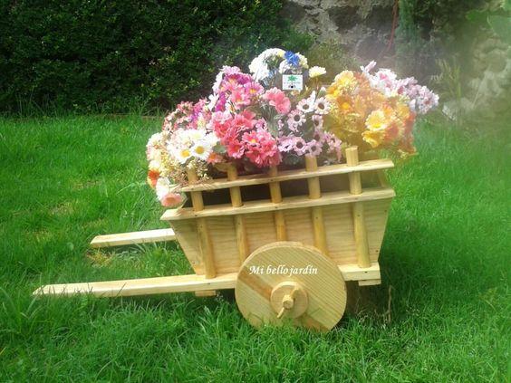 Carreta decorativa con flores banca mesa pinterest for Carritos de madera para jardin