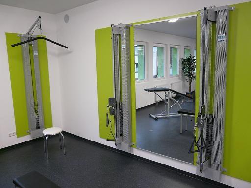 Fitnessraum wandgestaltung  Flur hell und freundlich | Zahnarztpraxis, Innenarchitektur und Neuer