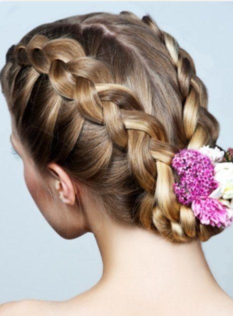 y este para mami. @Dani Sanchez Peinados con trenzas para novias - Novias | Novias