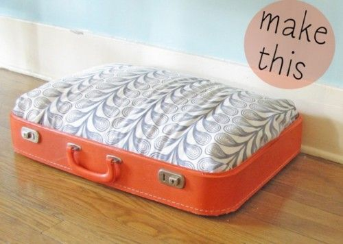diyresource:    Click image for DIY dog bed from a suitcase tutorial :)