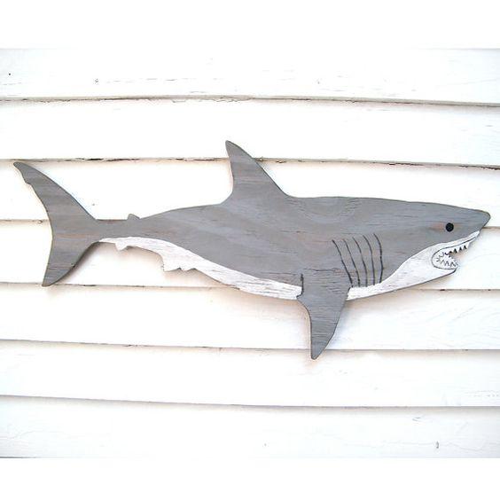Requin en bois grand blanc grand panneau mural art beach for Requin decoration