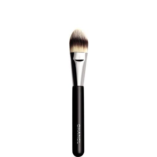 // PINCEAU FOND DE TEINT FOUNDATION BRUSH #6 (1 pce) - PINCEAU FOND DE TEINT - Chanel Makeup