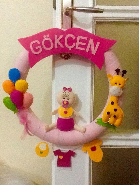 Küçük bir prenses için tatlı bir kapı süsü
