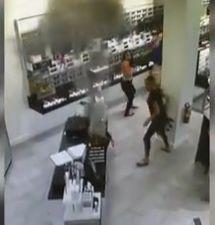 Un Samsung Galaxy Note 7 explota dentro de la bolsa de una mujer, los retirarán…