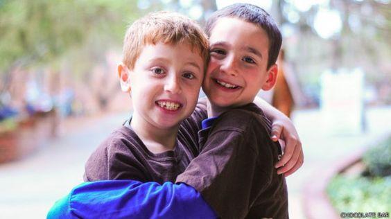 Jonah Pournazarian (izquierda) y Dylan Siegel (derecha).