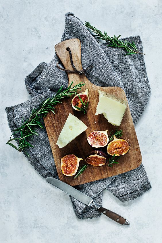 Braised Figs Recipe with Rosemary and Honey. #recipe