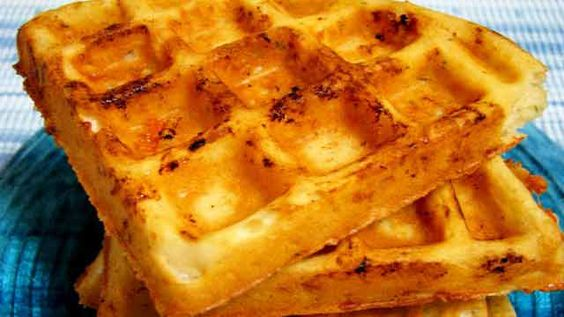 Waffles de Queijo Com Ervas