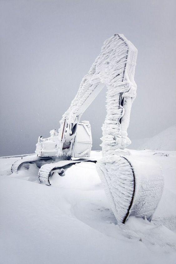 Багер през зимата